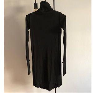 Dresses & Skirts - Women's black turtleneck midi dress